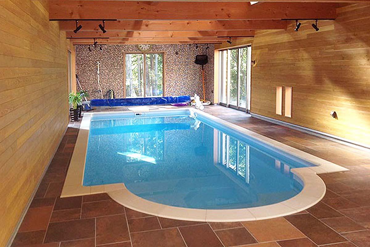 木造インドア温水プール
